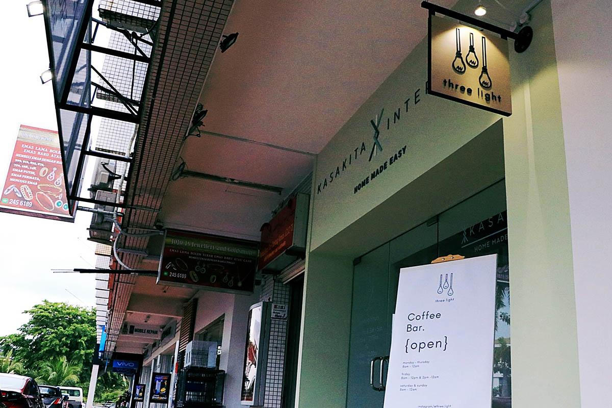 Brunei Cafe - Three Light